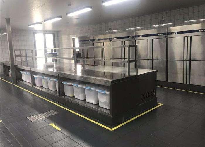 鑫广意钢制厨房设备厂可根据客户的需求加工订做各种尺寸款式的产品
