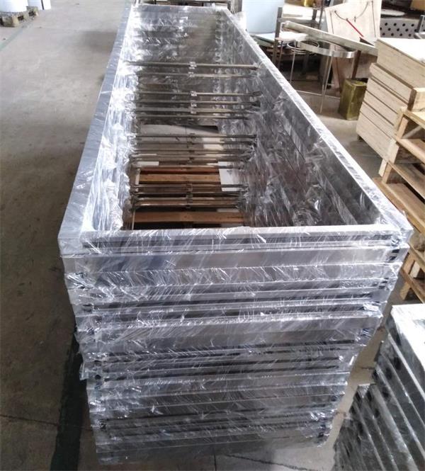 鑫广意门框生产厂一贯注重使用真材实料的原材料用细腻做工打造受欢迎的产品