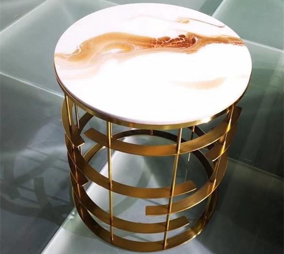 不锈钢边桌生产厂XGY资深研发团队致力于创新不断研发新产品