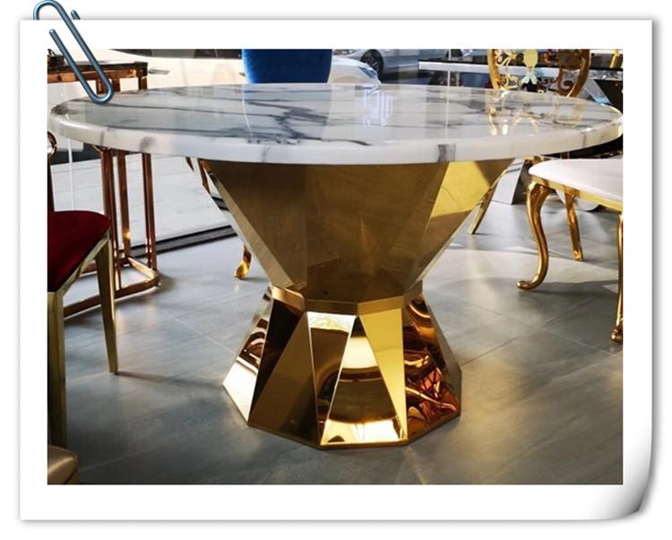 鑫广意不锈钢餐桌椅简洁实用的特点引起市场的广泛关注并迅速在国外发展