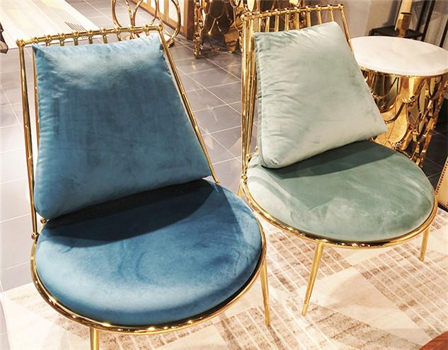鑫广意不锈钢座椅具有良好的承重性大胆的配色添增了活力