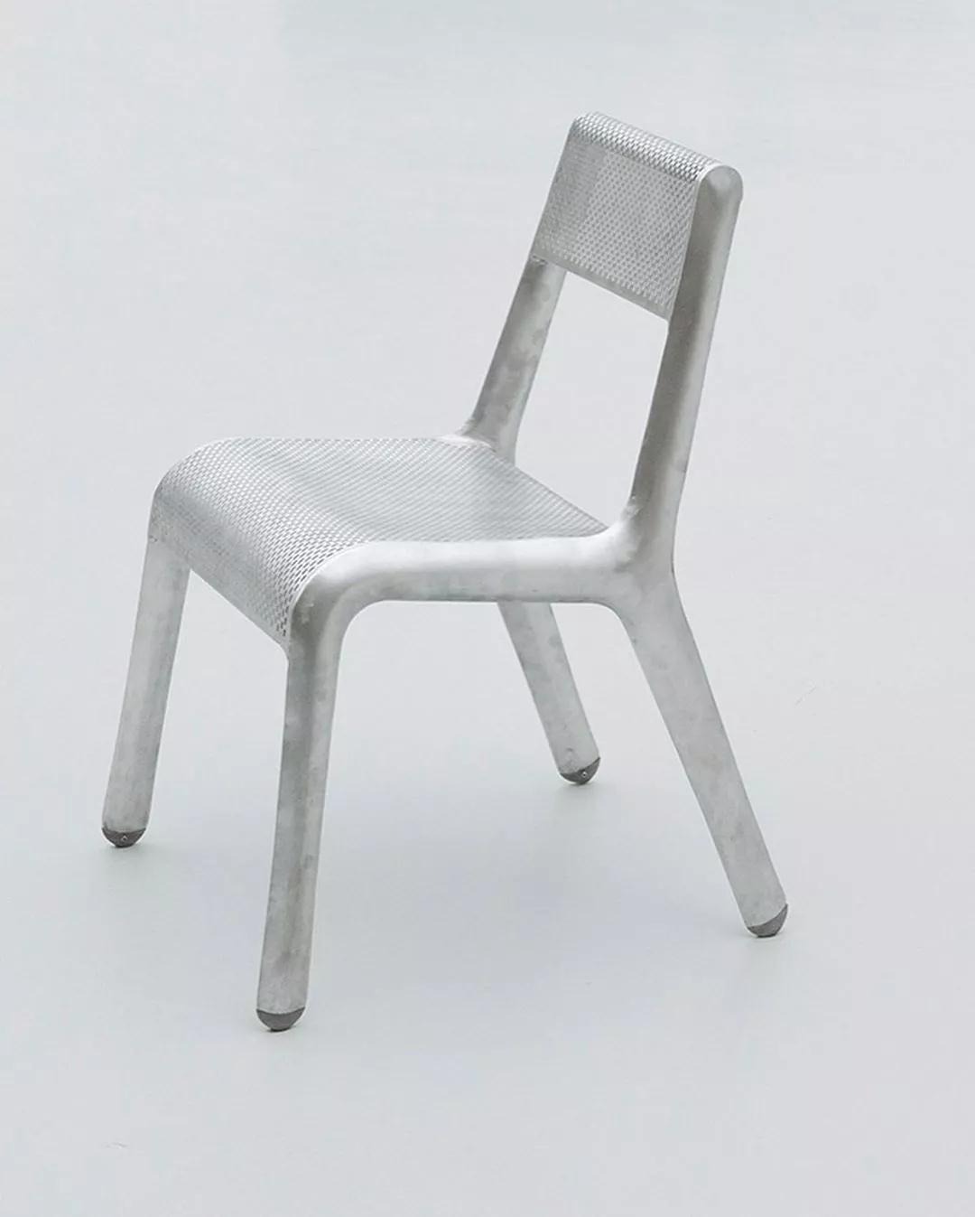 鑫广意金属餐桌椅设计的境界是亲近自然效法自然诗意油然而生