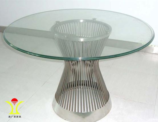 五金家具|品质高贵修饰作用极佳+避免外观塑造方面盲目从众行为