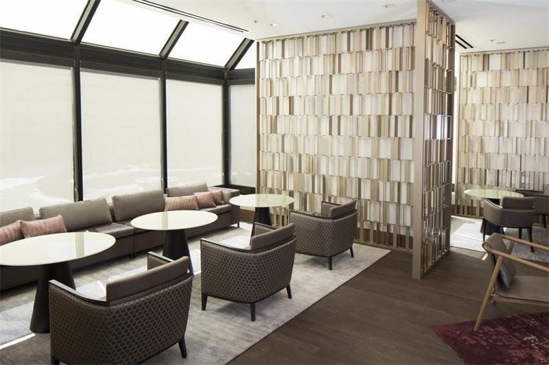 酒店屏风XGY散发出高雅奢华的风格不仅造型美丽实用性能也很强大