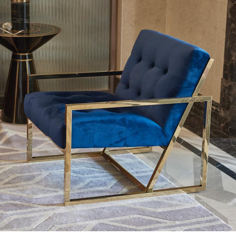 鑫廣意不銹鋼沙發將家具配件的冷酷和纖維的細膩融為一體形成沉穩冷靜的風格