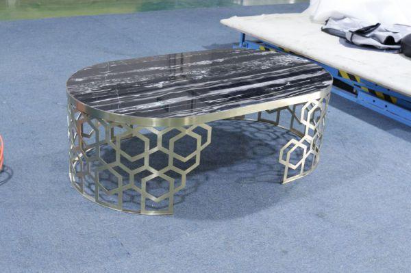 鑫广意金属家具厂匠心打造的酒店餐桌餐椅优质优材坚固耐用使用时间更长