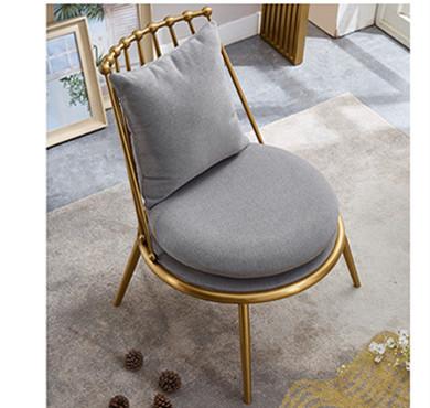 鑫廣意不銹鋼單椅有著一種空靈而輕盈的質感極具極簡主義風格