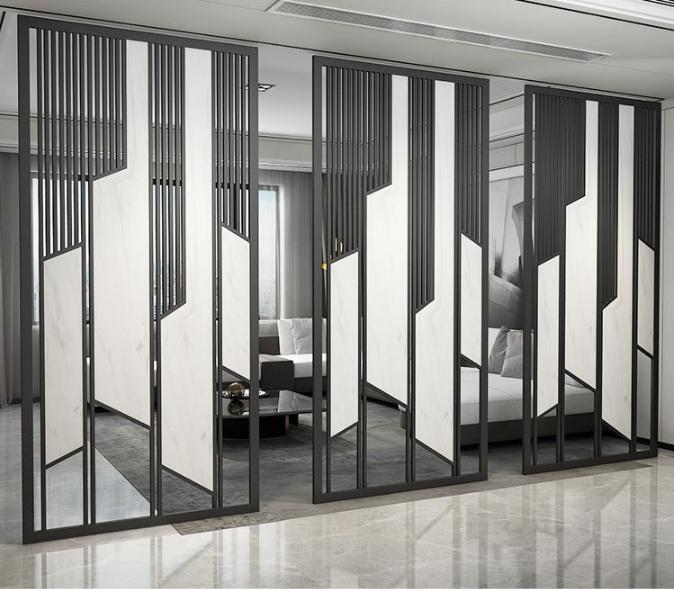 不锈钢屏风是装饰性极强的一种室内隔断通过镀钛方式在表面镀上一层钛金色-鑫广意