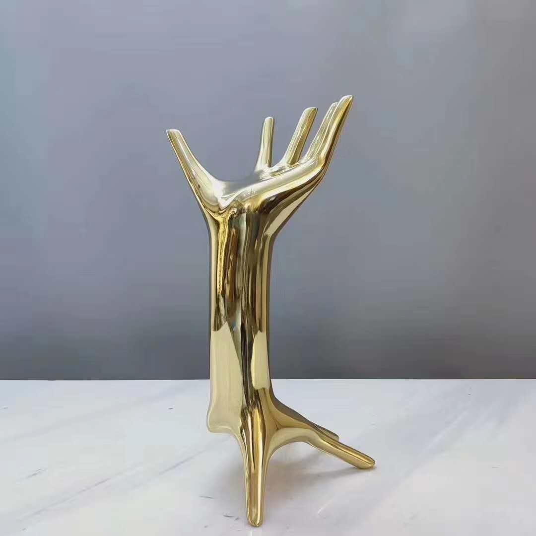 不銹鋼餐桌椅子糅合了豐富的配色最終展現細膩而驚艷的層次-鑫廣意