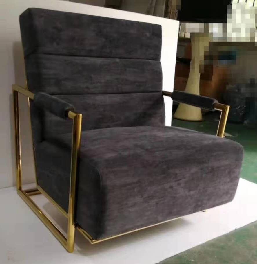 不锈钢沙发的使用已经有相当多的经验没有违和感视觉上的档次提升很多-鑫广意
