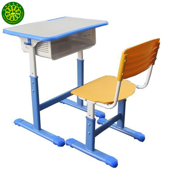 不銹鋼學生桌琳瑯滿目價格也五花八門選擇鑫廣意學習桌每分錢花到刀刃上性價比高