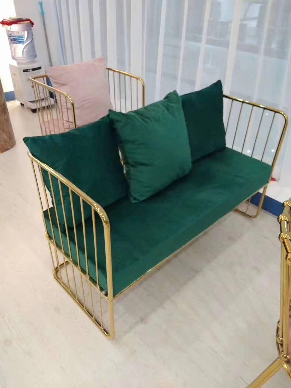 不銹鋼沙發結構清晰給人以鎮靜的視覺感受給生活帶來無限選擇 鑫廣意