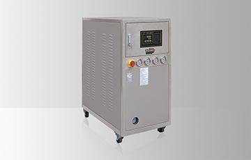 水冷式箱型冰水機