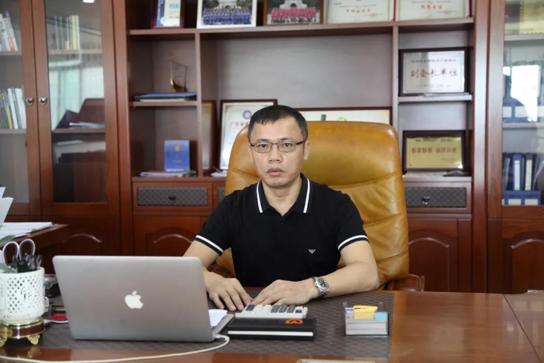 """一個""""模范生""""的堅守與遠見 ——專訪華南板塊領軍品牌——松吉電動車創始人陳少裕"""
