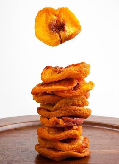 桃子烘干机型号怎么选?需要烘干的桃子产量选多大的设备好?
