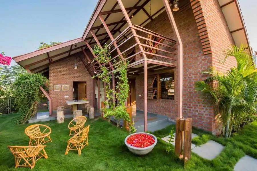 木屋欣赏   印度住宅Palasvada的多层式木质框架