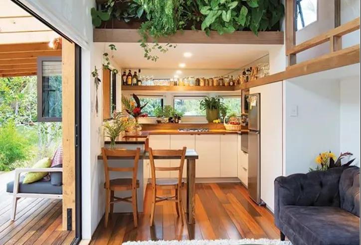 50㎡的森林小木屋,承载了一位母亲和女儿的甜蜜生活