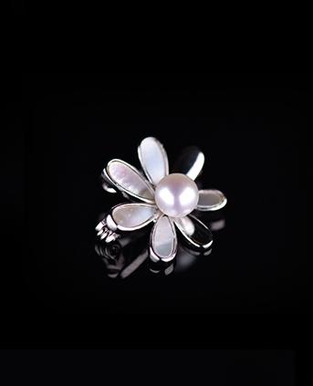 小雏菊设计天然珍珠项链胸针-白色