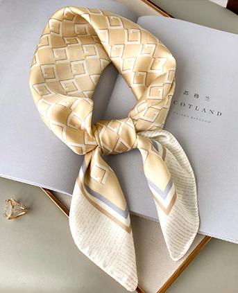 时尚菱格韩版小方巾-米黄色
